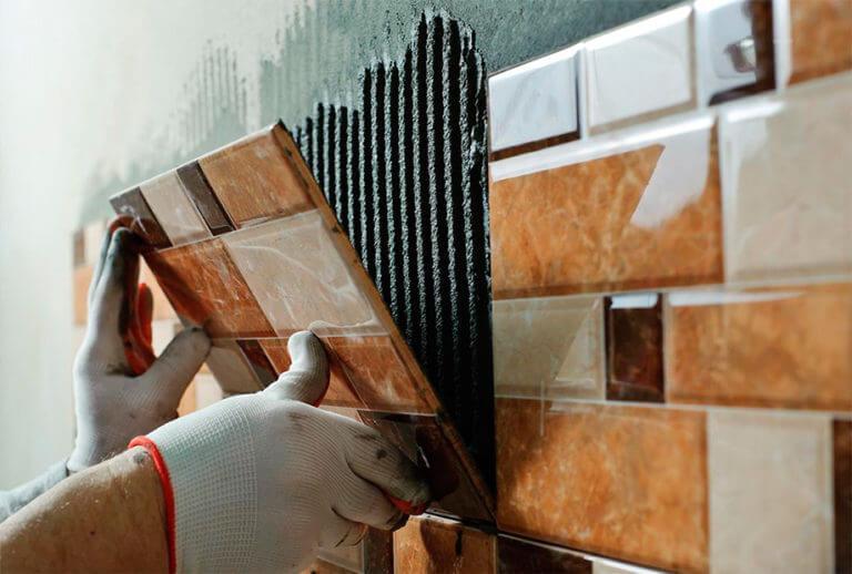 Штукатурят ли стены перед укладкой плитки