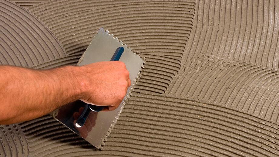 как штукатурить стены перед укладкой плитки